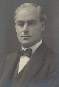 Sir Arthur Pearson